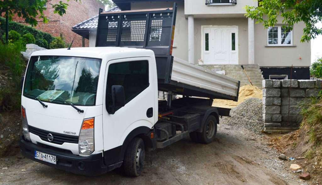 Samochód ciężarowy o małej ładowności (wywrotka)